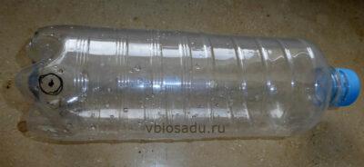 Пластиковая бутылка с отверстием для автополива на даче своими руками Фото